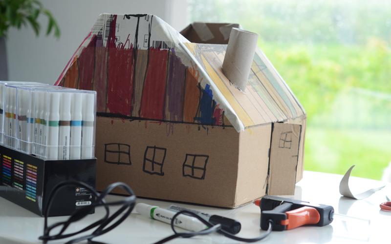 Papkasse-krea på en regnvejrsdag